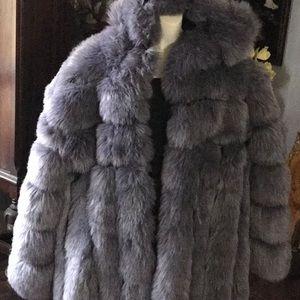 Like new faux fur jacket